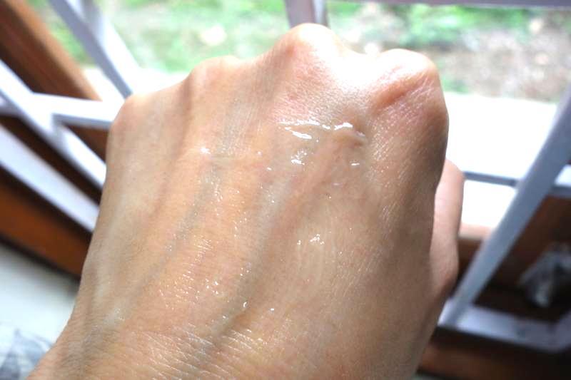カラカラ肌が1回の保湿で潤い肌に!『Rechercher スキンハイドレーションジェル』